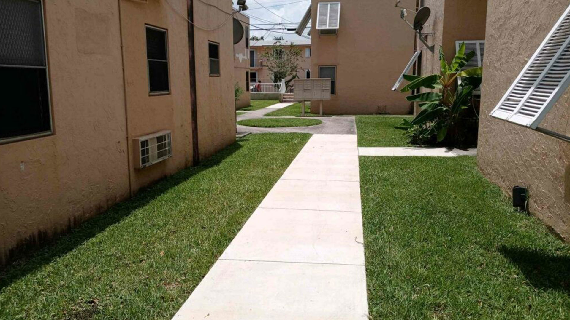 Charles Enterprise Group LLC Landscaping, Lawn Care and Mulching slide 1